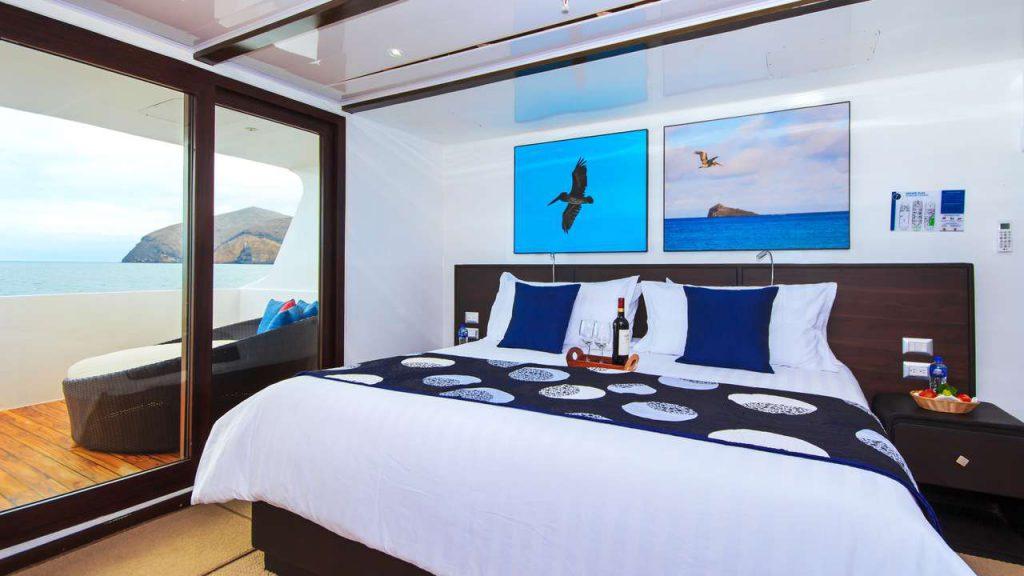 Galapagos, Jonathan Green, wildlife cruise galapagos