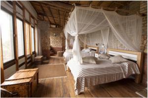 Kyambura Gorge Lodge, lodge Uganda, hotel Oeganda