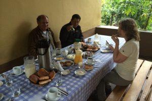 Ontbijt bij Julia's Homestay, homestay Peru