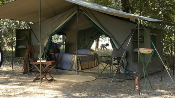 Mobile tent, South Luangwa