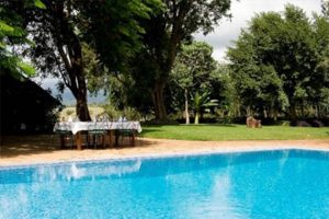 ngorongoro swimmingpool