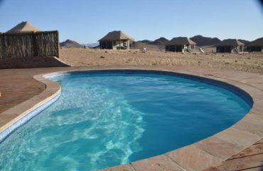 Desert Hills Glamping Camp zwembad