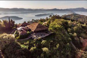 Virunga Lodge Rwanda, gorilla trekking, mountain gorilla, reis rwanda gorilla tracking, volcanoes